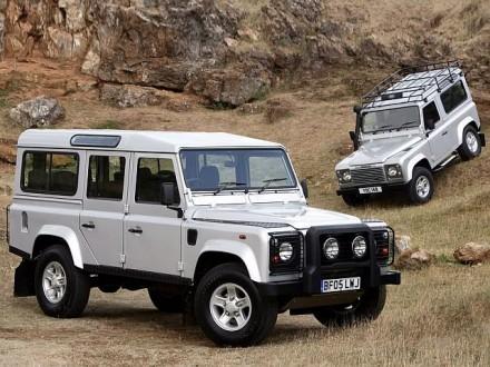 Land_Rover_Defender_90_Station_Wagon_2005
